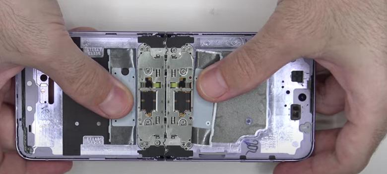 Как устроен Samsung Galaxy Z Flip3. Первое видео разборки аппарата позволяет заглянуть внутрь смартфона