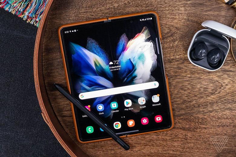 Сколько стоит замена экрана в новых Samsung Galaxy Z Fold3 и Flip3?
