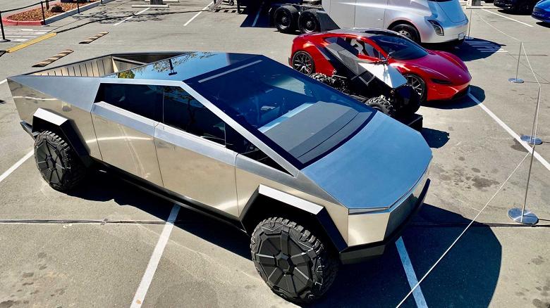 Илон Маск и инженеры Tesla только сейчас определились с дизайном и размерами Tesla Cybertruck  это могло стать причиной задержки автомобиля