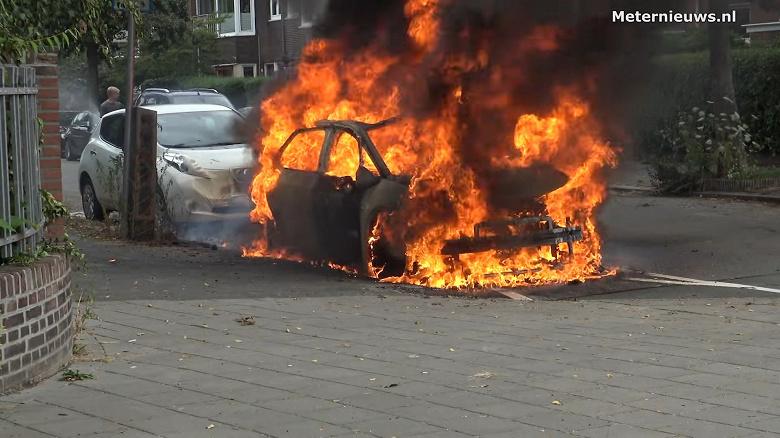 Volkswagen ID.3 вспыхнул как факел сразу после зарядки