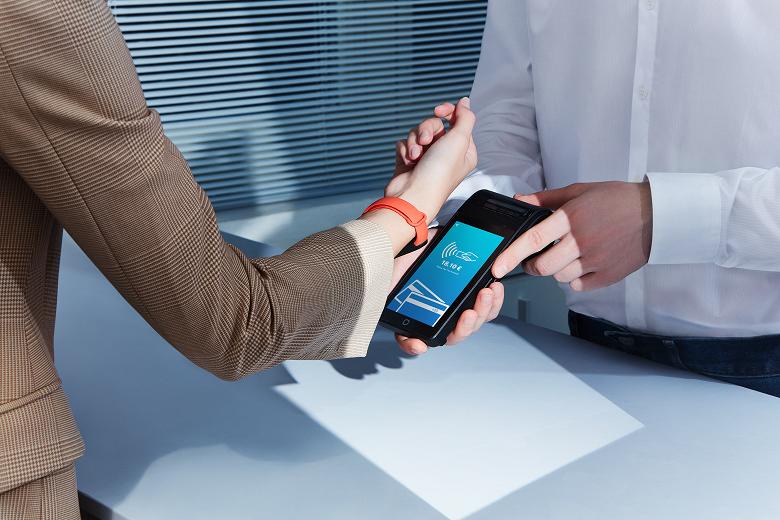 Умный браслет Xiaomi Mi Smart Band 6 с поддержкой NFC уже доступен для заказа в России