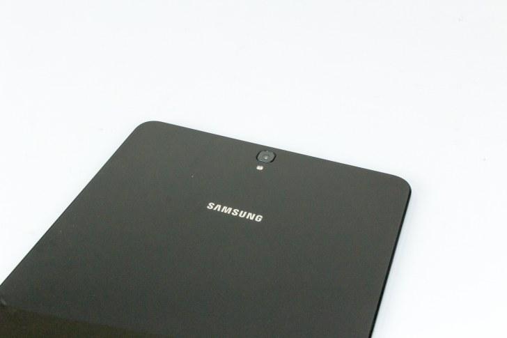 Samsung Galaxy Tab S3. Вид на камеру