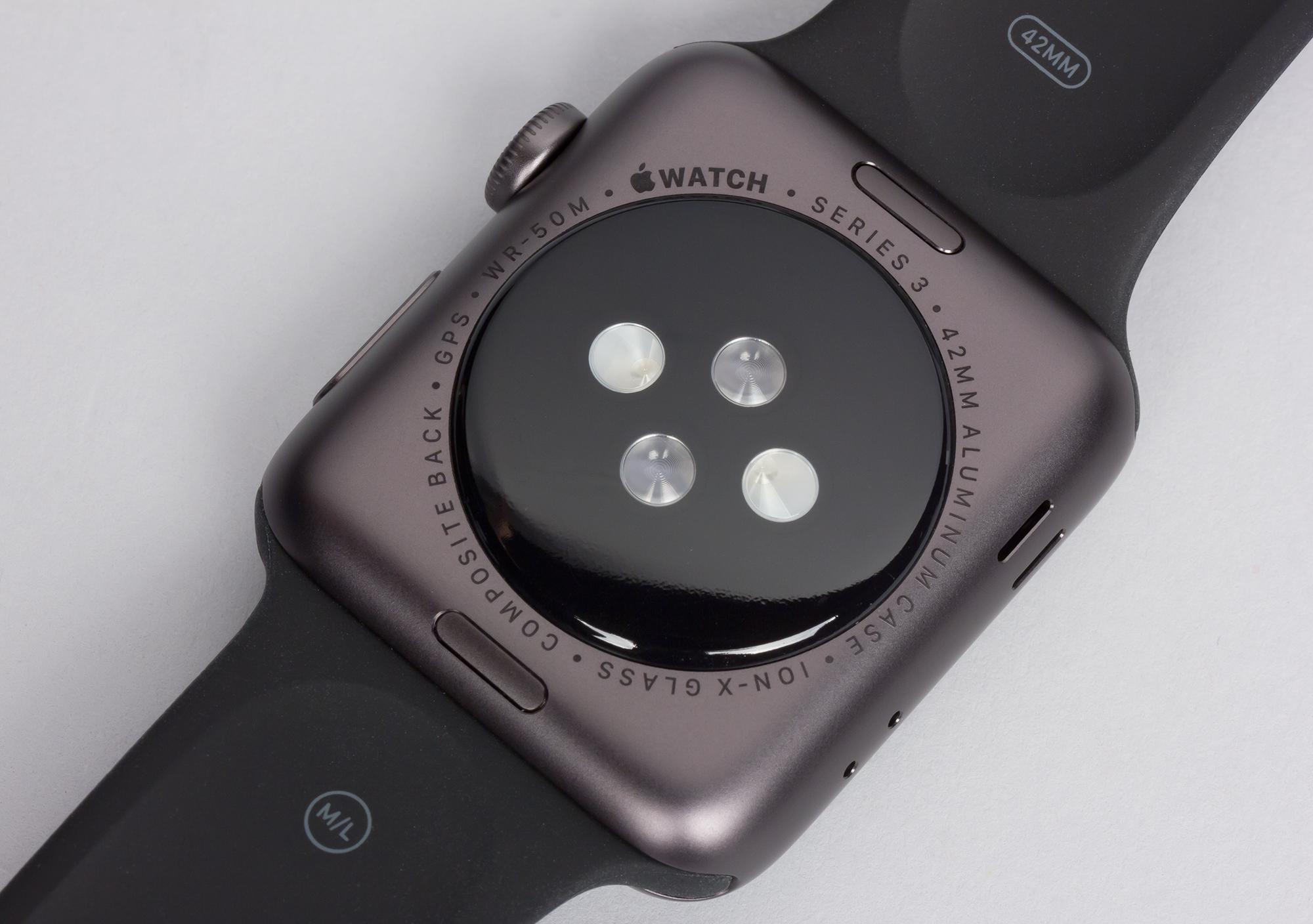 0bd38ffc90ac Толщина новинки — такая же, как у Apple Watch Series 2, что на миллиметр  больше, чем у первых Apple Watch и объясняется, видимо, усиленной  влагозащитой и ...