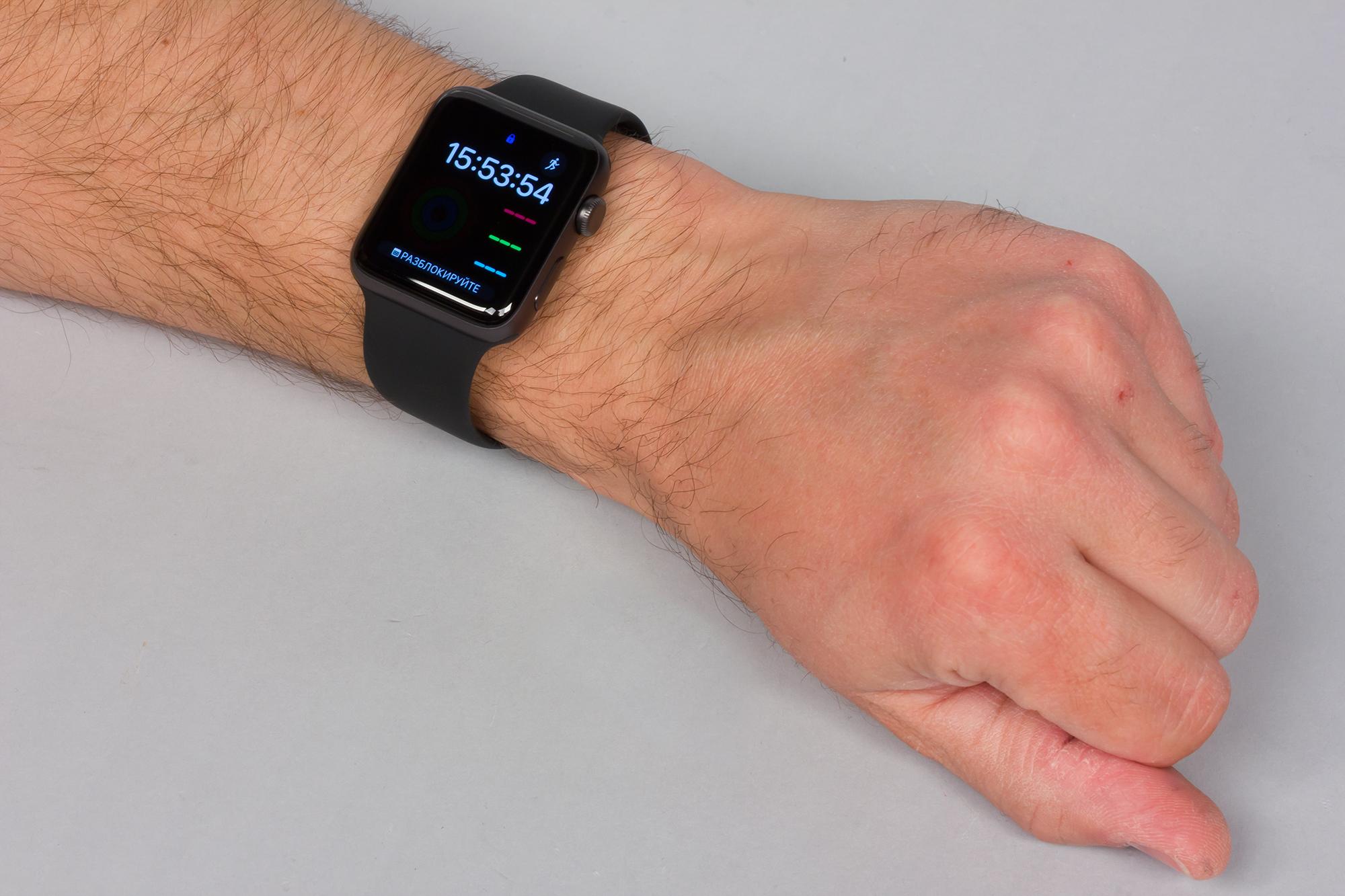 У сохранения габаритов есть один важный плюс  абсолютно все модели всех  поколений Apple Watch 8d72aa47f1614