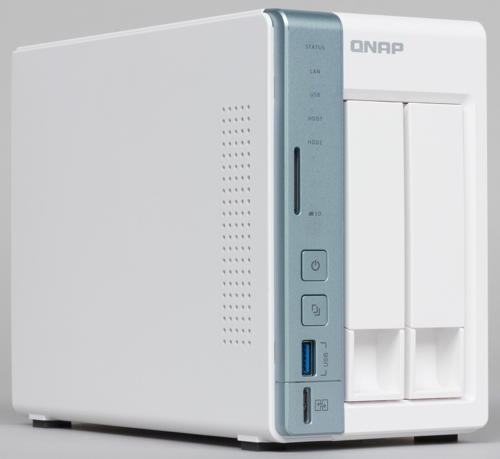 Обзор сетевых накопителей QNAP D2 Pro и D4 Pro на платформе x86
