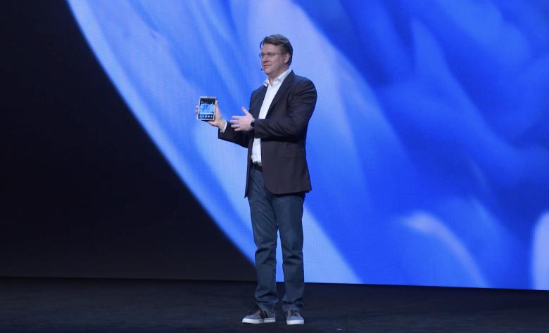 Самсунг  показала смартфон сгибким дисплеем