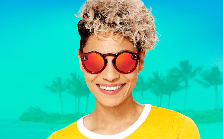Сделано для лета: Snapchat создал новые очки Spectacles совстроенной камерой