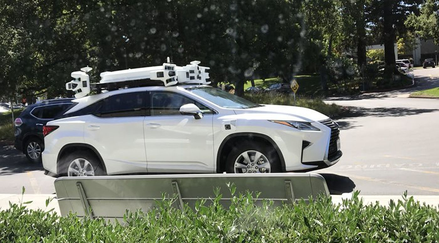 Беспилотные автомобили Apple судя по всему пока не готовы к работе без страхующего водителя