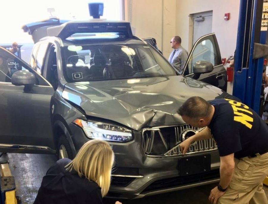 Шофёр беспилотной машины Uber, сбившей насмерть женщину, смотрела зарулем шоу «Голос»
