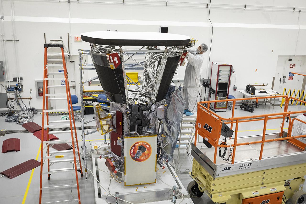 NASA рассказало про тепловой щит зонда Parker Solar Probe который позволит приблизиться к Солнцу на минимальное расстояние