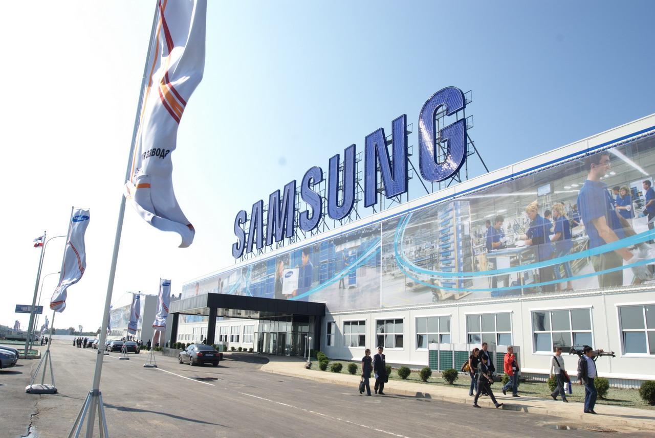 Самсунг запускает вИндии свою самую крупную фабрику телефонов