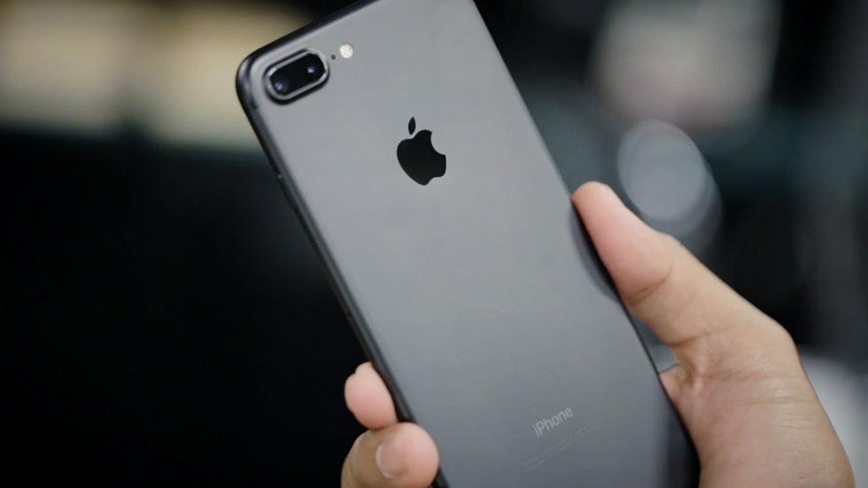 IPhone 7 Plus продолжил работать после падения свысоты 305 метров