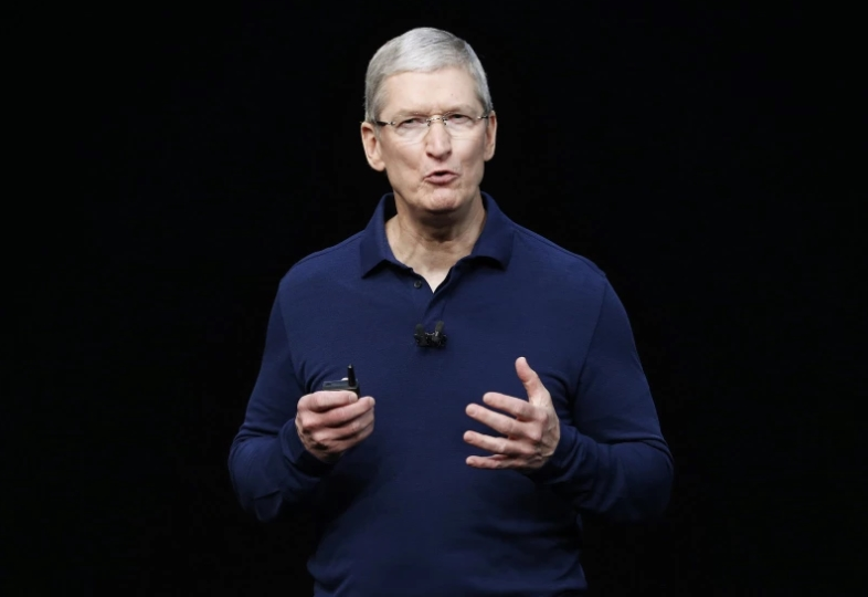 Руководитель Apple потребовал отозвать статью Bloomberg ошпионских чипах