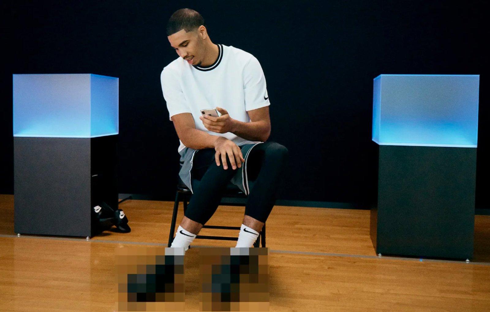 06961fe8 Nike дразнит новым видео перед завтрашним анонсом самозашнуровывающихся  кроссовок, которые будут сопрягаться со смартфоном