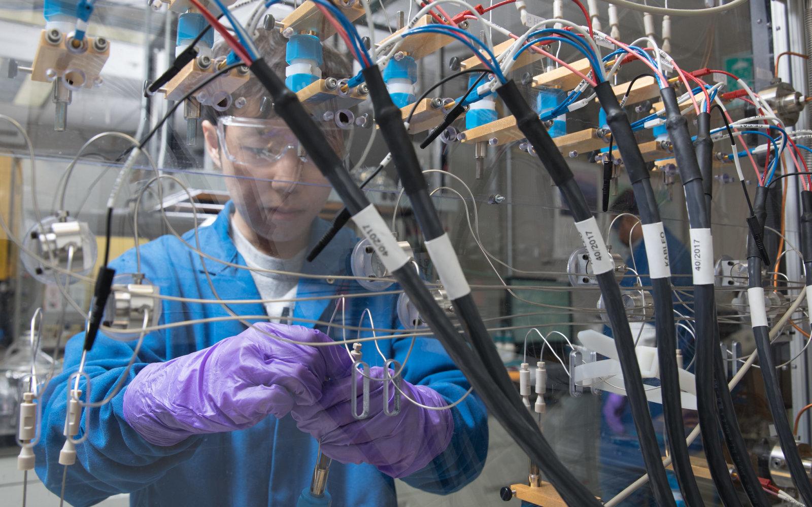 Специалистами IBM создан аккумулятор без кобальта, превосходящий современные литий-ионные аккумуляторы