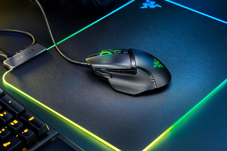 Мышь Razer Basilisk V2 оснащена 11 программируемыми кнопками