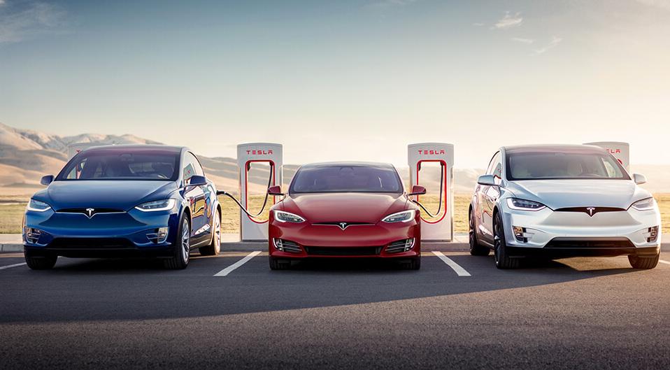 Tesla предлагает год бесплатной зарядки Supercharging для своих электромобилей в США