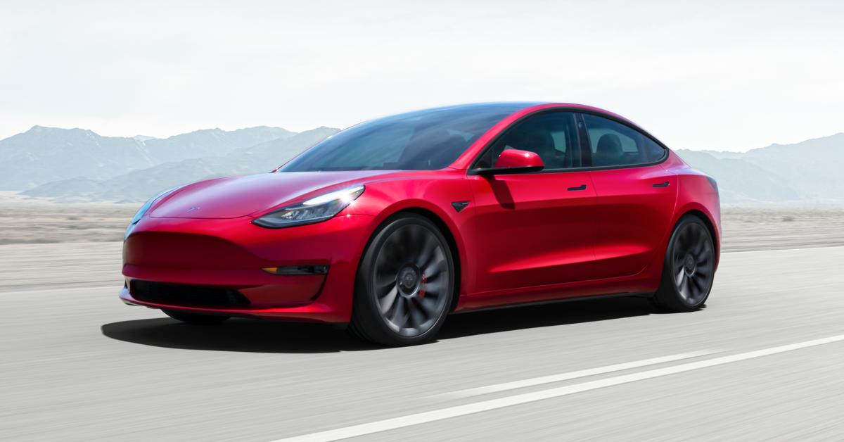 По подсчётам Tesla, электромобиль Model 3 — самая продаваемая легковая  машина премиум-класса