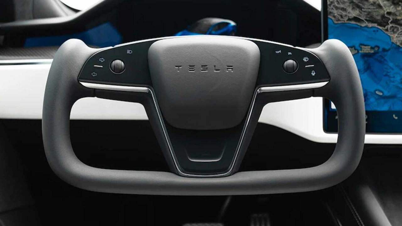 Штурвал в новых автомобилях Tesla неудобен и опасен. Опубликован отчёт  Consumer Reports