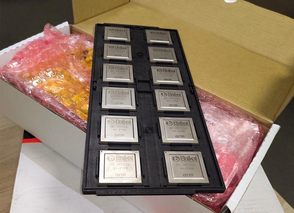 Несмотря на глобальный дефицит: TSMC доставила в Россию первую коммерческую партию отечественных процессоров Baikal-M весом в 76 кг
