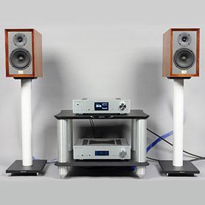 Двухполосная полочная акустика Old School Monitor в духе винтажных акустических систем 80-х годов