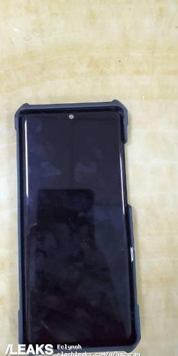 Xiaomi Mi 9 Pro 5G может получить изогнутый экран