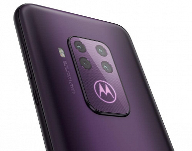 Квадрокамерный смартфон Motorola One Zoom получит логотип с подсветкой
