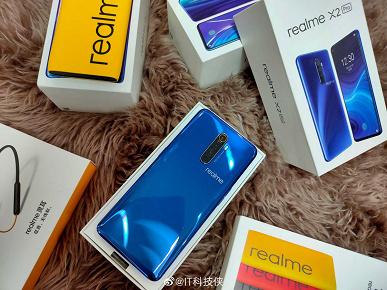 «Убийца Xiaomi» позирует на множестве «живых» фото