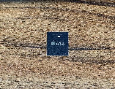 Качественные живые фото SoC Apple A14 и сравнение челок iPhone 12 и iPhone 11 Pro