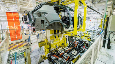 271933_Volvo_XC40_Recharge_production_in