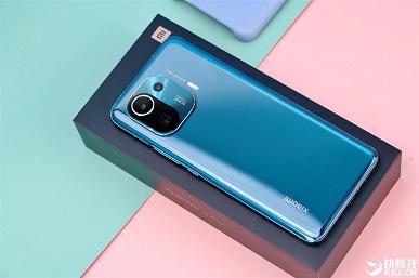 «Король Android» во всей красе: подборка качественных фото демонстрирует новинку со всех сторон