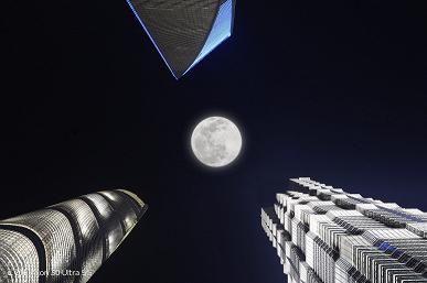 Режим Super Moon Ultra смартфона ZTE Axon 30 Ultra гарантирует большую красивую Луну на любой ночной фотографии