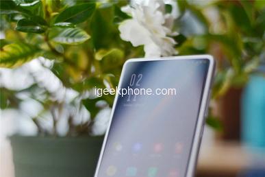Первые живые фото Xiaomi Mi Mix 4