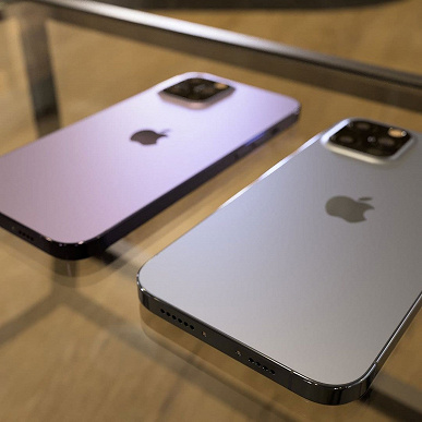 Неожиданный iPhone 13 Pro без зарядного разъёма показали вживую