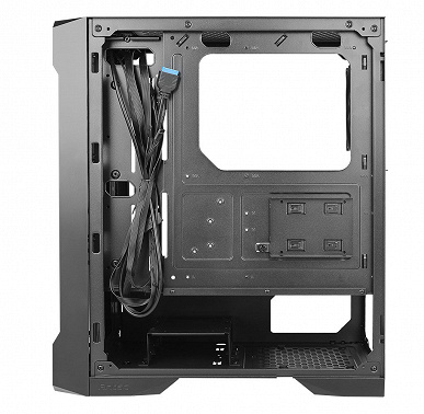 The side panel of the Antec NX420 case is made of glass, and the front is a grill