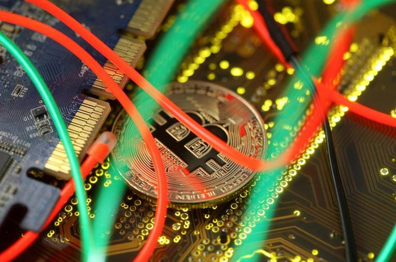 Bitcoin упал ниже 4500 долларов и не может подняться