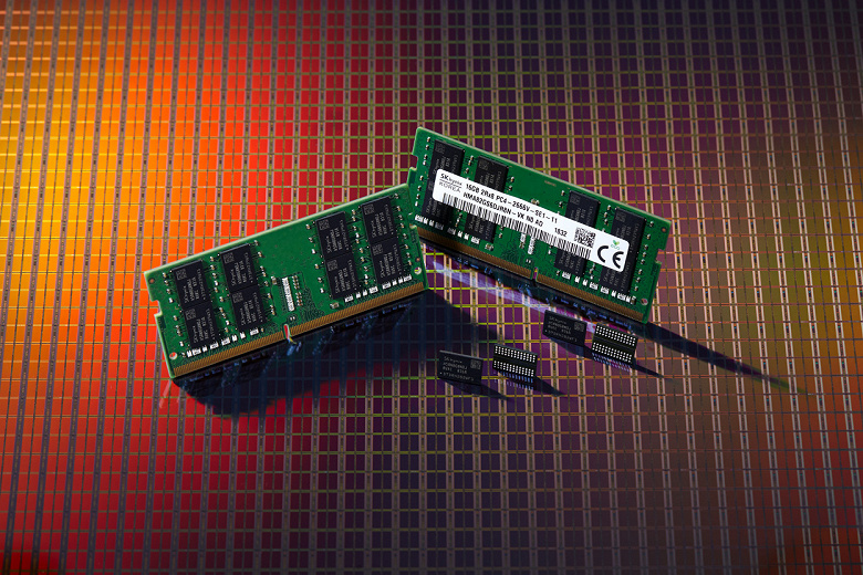 Компания SK Hynix сообщила о разработке микросхемы DRAM DDR4 плотностью 8 Гбит, рассчитанной на выпуск по технологии 1Ynm
