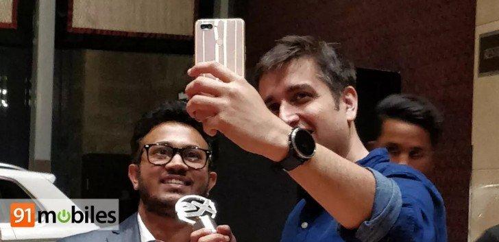 Появился первый снимок первого смартфона на SoC Helio P70