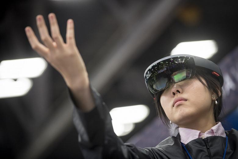 Microsoft продаст армии США более 100 000 гарнитур дополненной реальности HoloLens за 480 млн долларов