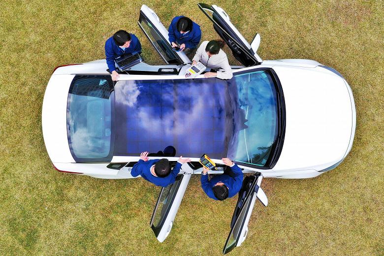 Hyundai и Kia намерены массово оснащать свои автомобили солнечными панелями