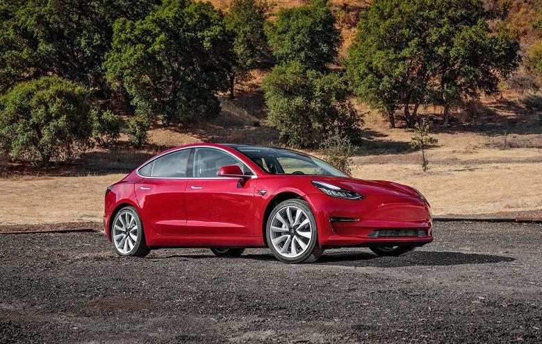 Для того, чтобы быстрее доставлять свои электромобили, Tesla купила... несколько компаний, занимающихся перевозкой товаров