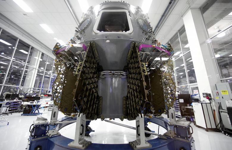 SpaceX впервые доставит космонавтов на МКС уже в июне следующего года