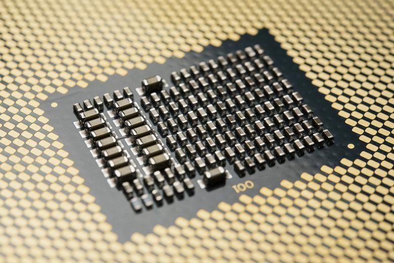 28-ядерный процессор Intel Xeon W-3175X уже можно предзаказать по цене около 4000 долларов