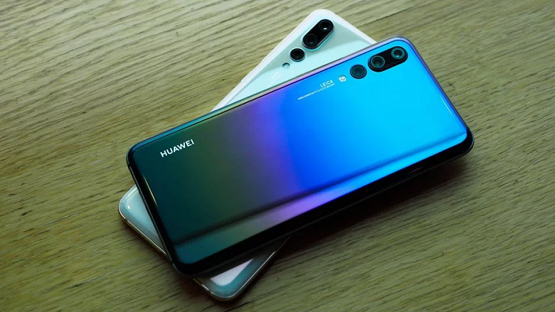 Huawei меняет аккумуляторы своих смартфонов на новые за $14