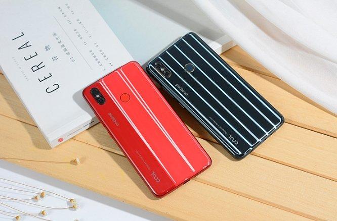 Недорогой смартфон Coolpad Cool Play 8 — самый полосатый смартфон на рынке