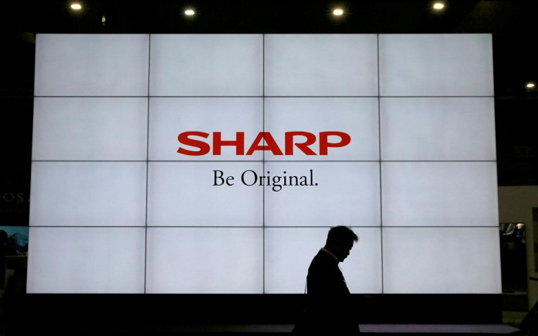 Японские субподрядчики Sharp сократили 3000 сотрудников в связи с переносом заказов на датчики для iPhone в Китай