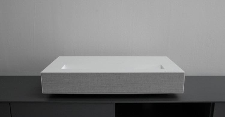 Проектор LG CineBeam Laser 4K выводит изображение диагональю 120