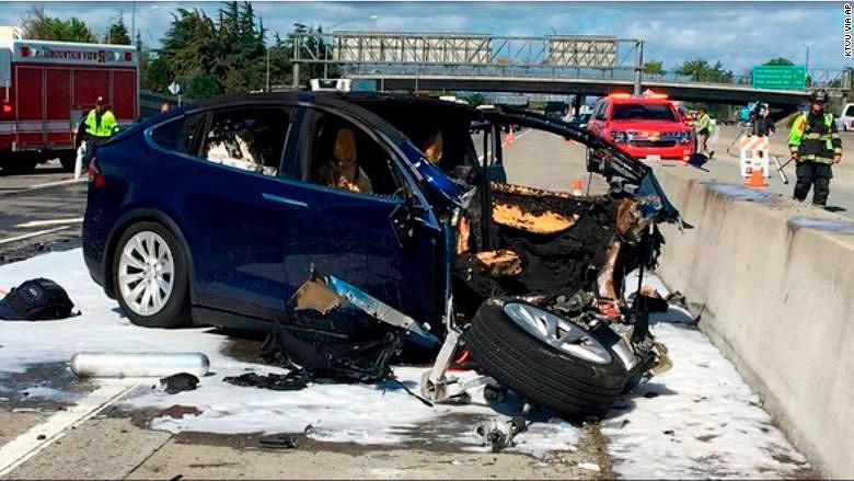 Tesla захотели засудить занеисправный автопилот после смертельной трагедии