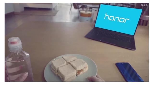 Huawei представила смартфон ссамым шумным динамиком