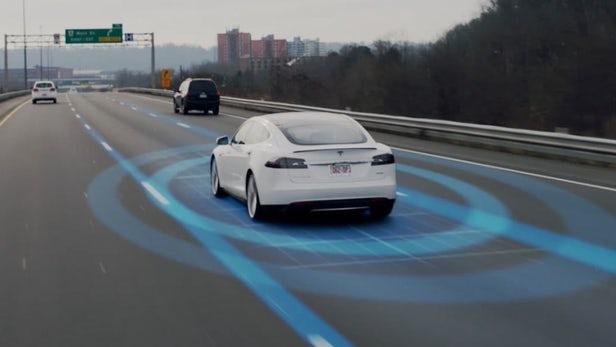 Tesla увеличила на40% объемы издаваемых электромобилей